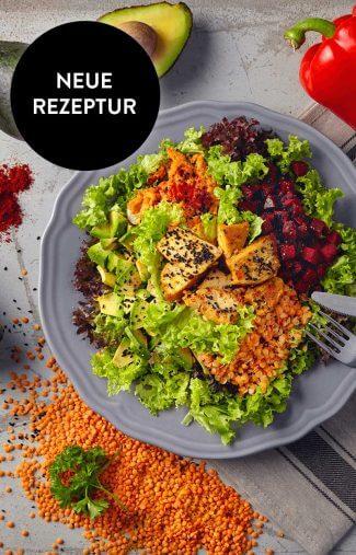 Curry-Peitsche-Salat-mit-Haehnchen-und-Avocado
