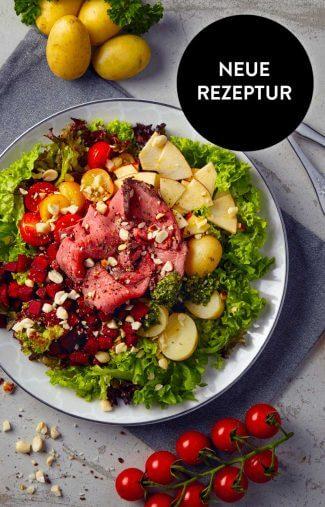 Schmackofatz Deluxe-Salat mit Rindersteak Streifen Kartoffeln Roter Beet und Apfel