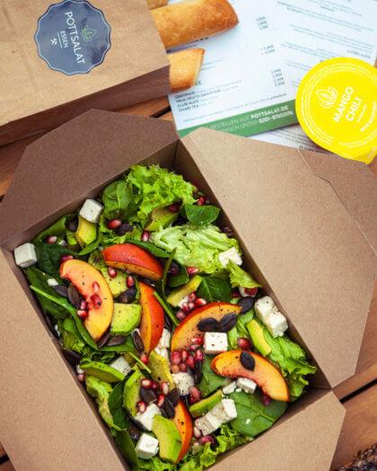 Nektarinen Granate Salat